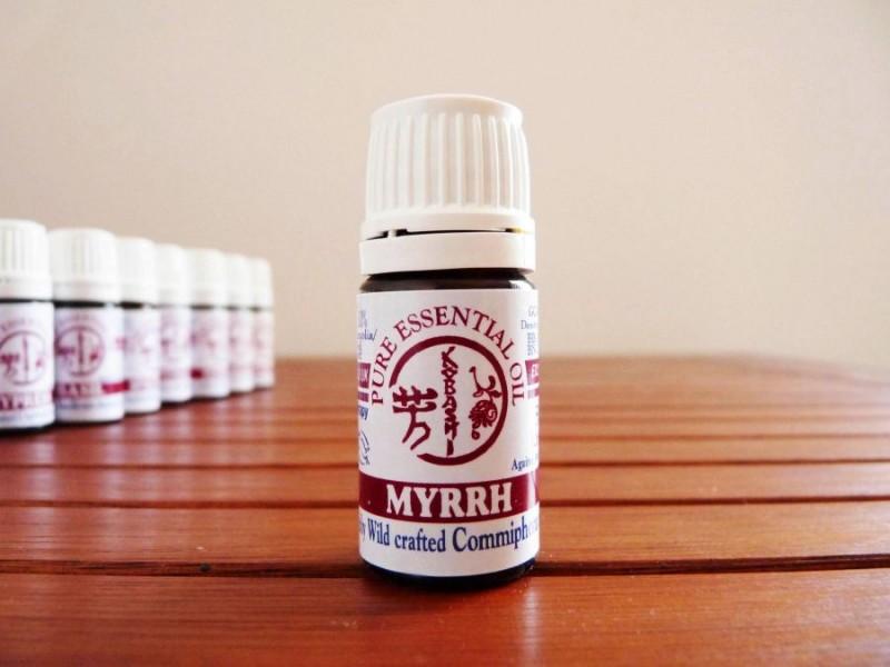 Етерично масло от смирна HennaFox, 5мл. - HennaFox